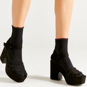 Urban Outfitters Mini Ruffle Ribbed Crew Sock